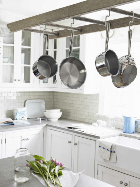 a-ladder-as-a-pot-and-pan-rack-myhomelifemag-com