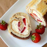 Vanilla & Strawberry Swiss Roll